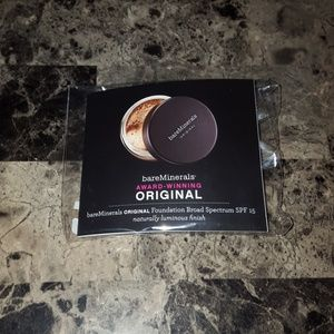 Bare minerals face setting powder with brush